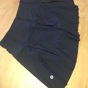 NEW Lululemon lost in pace skirt navy blue 6 tall
